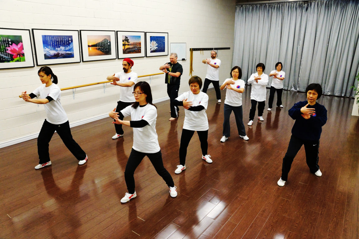 People with Parkinson's Practice Tai Chi